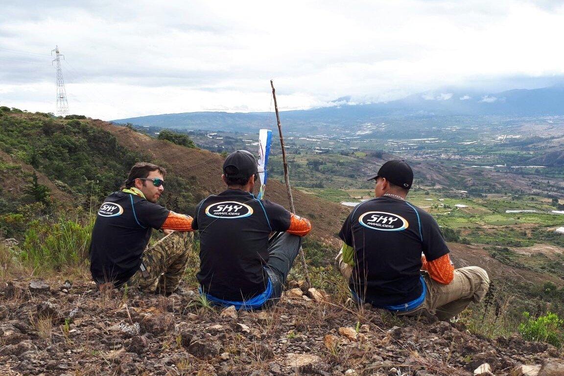 Columbian-pilots-Team-T-shirt_1-min